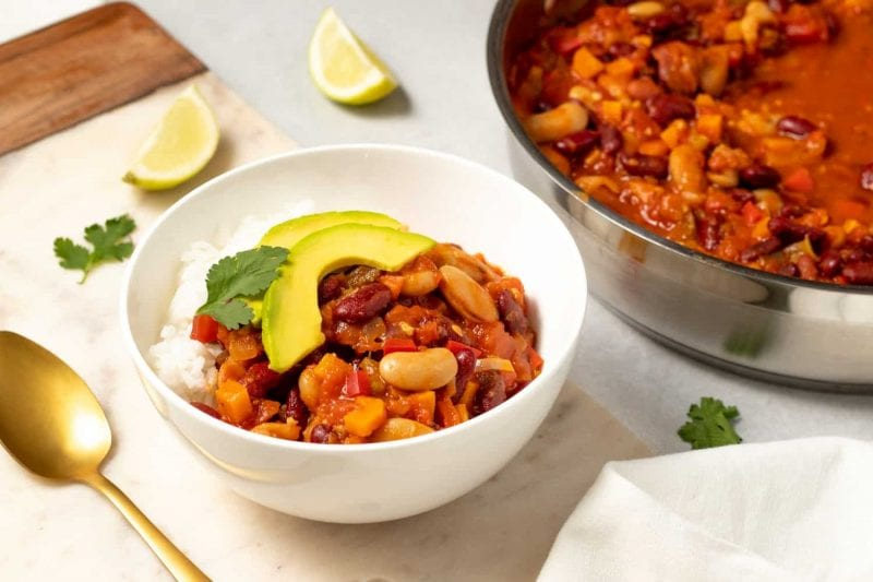 When you're craving your favourite hearty foods, what better to make than our easy vegan chili recipe?It's quick to prepare and packed full of fresh vegetables and spices.