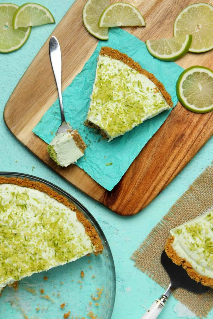Vegan Key Lime Pie by Loving It Vegan. Are you going vegan for a month this January? Here are 31 easy vegan recipes to try this veganuary!